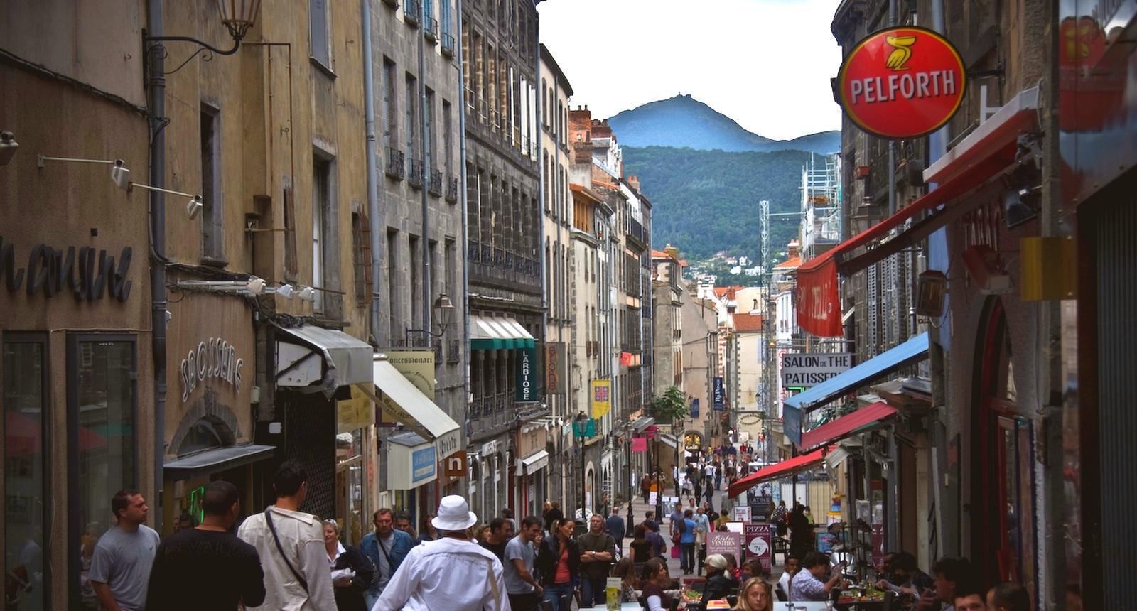 Clermont-Ferrand, rue des Gras (1)