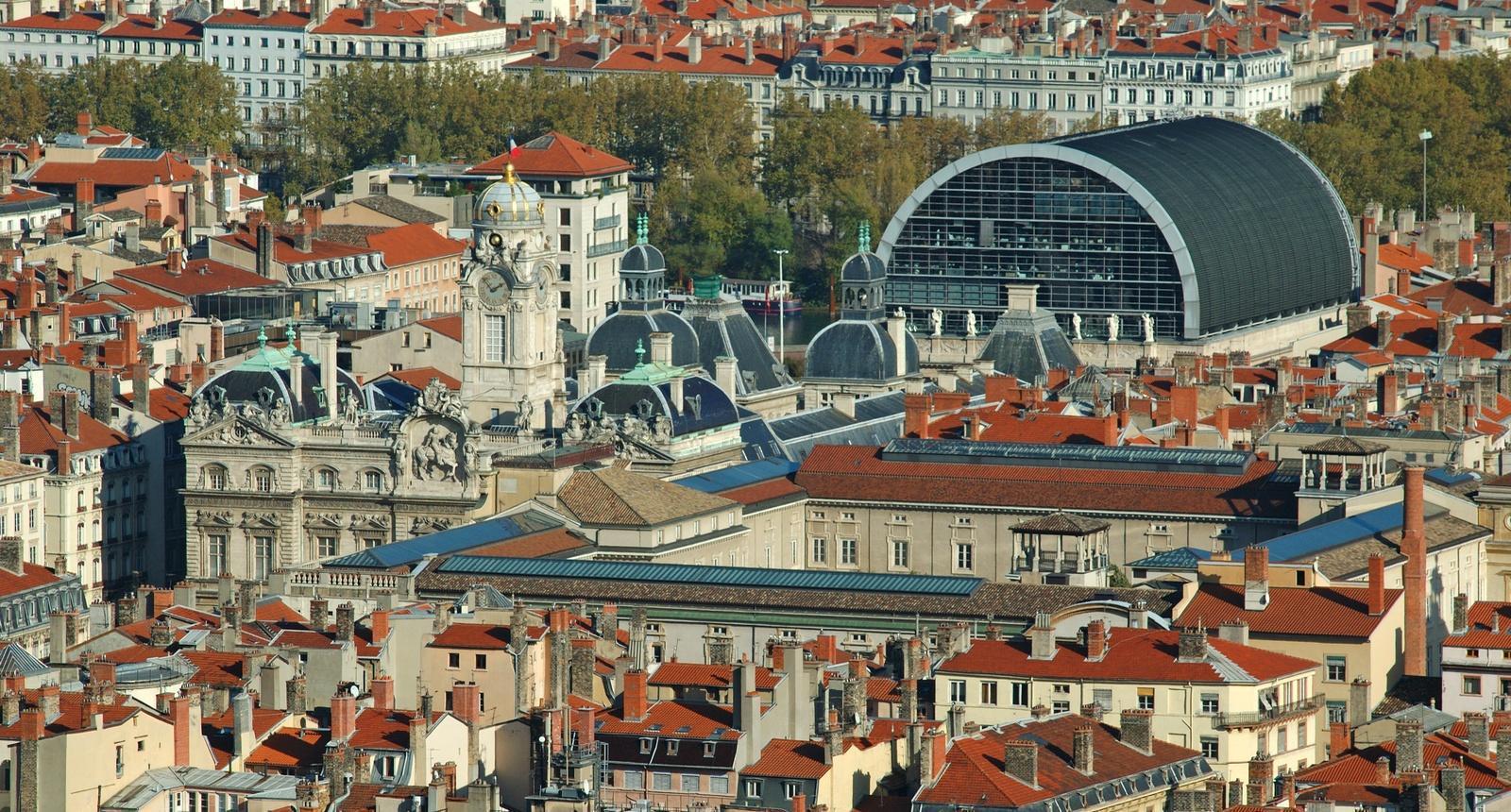 Panorama de Lyon (à droite, l'Opéra)