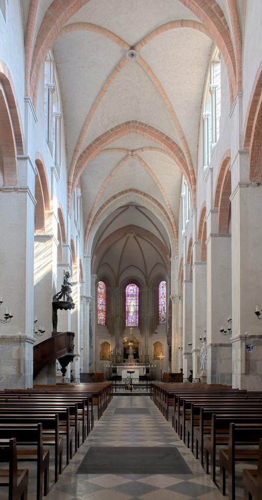 nef de la cathédrale Notre-Dame