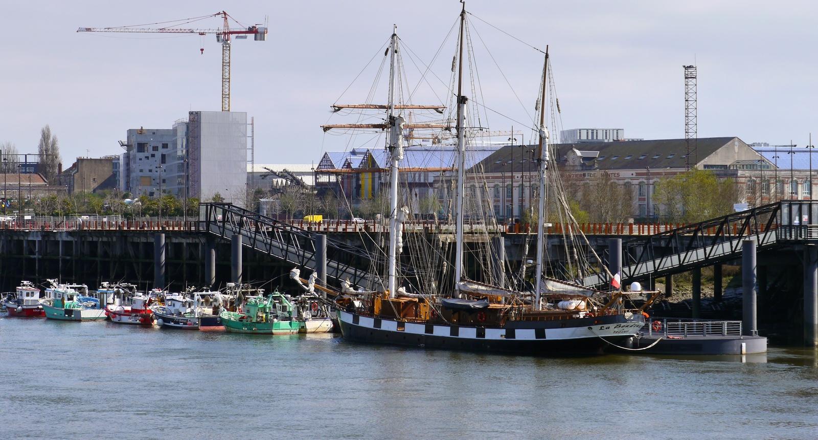 Vue sur l'Île de Nantes et la Boudeuse