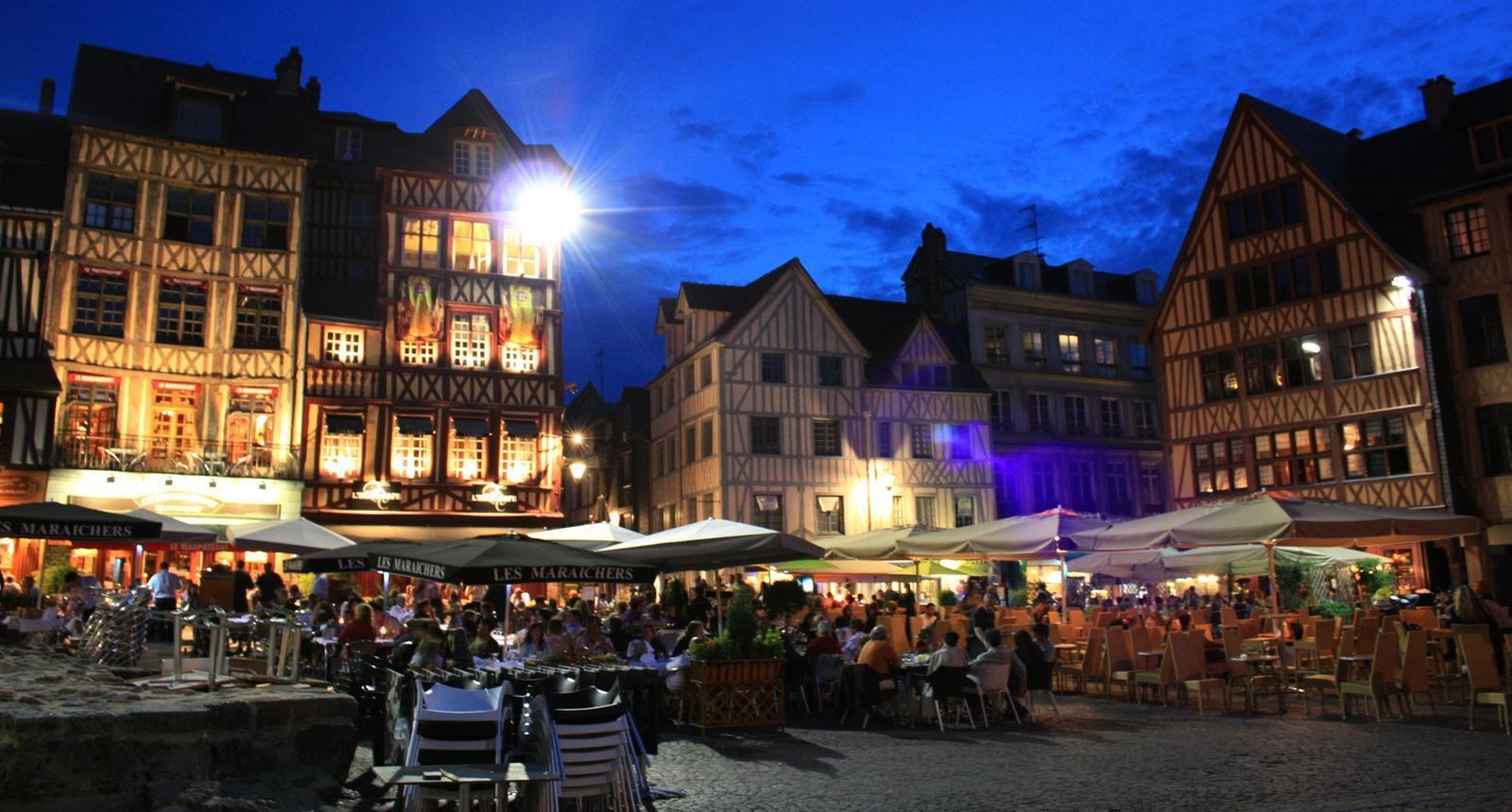 Rouen, la Place Jeanne-d'Arc