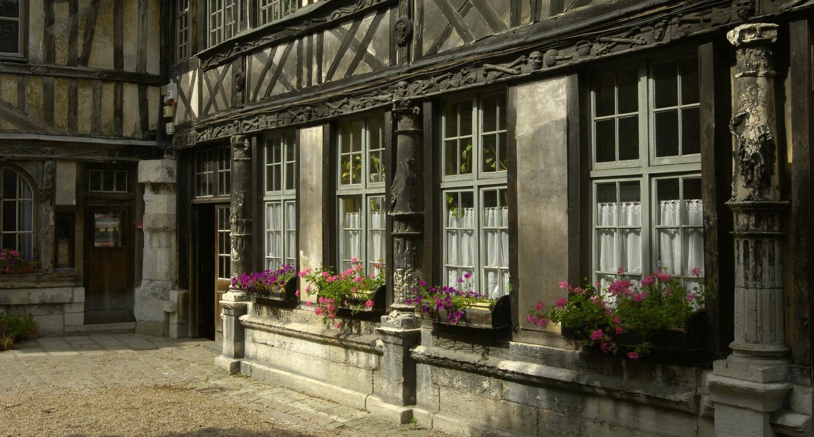 Rouen, l'Aître Saint-Maclou