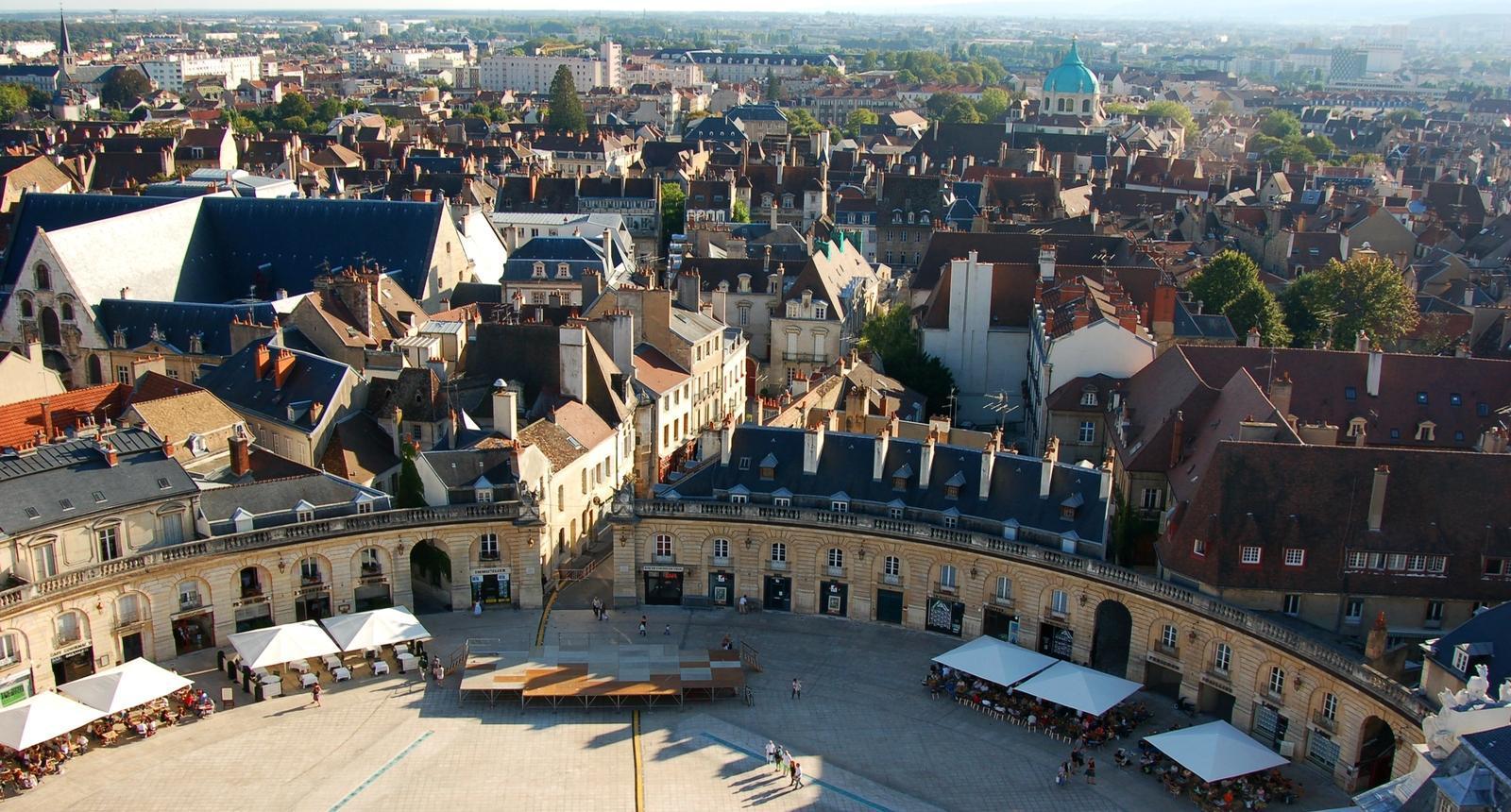Dijon, place de la Libération (1)