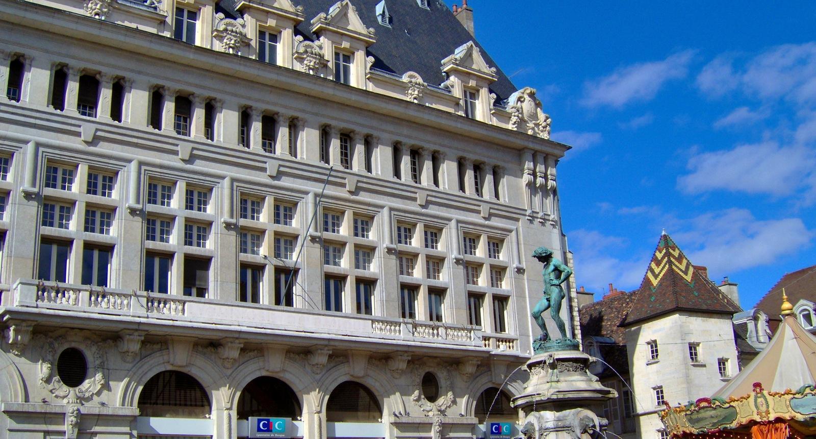 Dijon, la place Rude