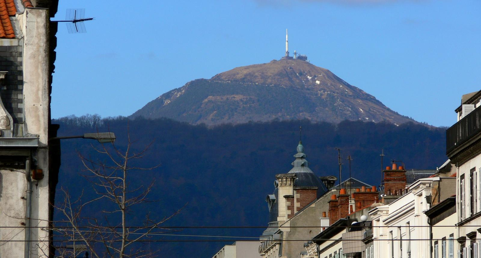 Clermont-Ferrand, vue sur le Puy-de-Dôme
