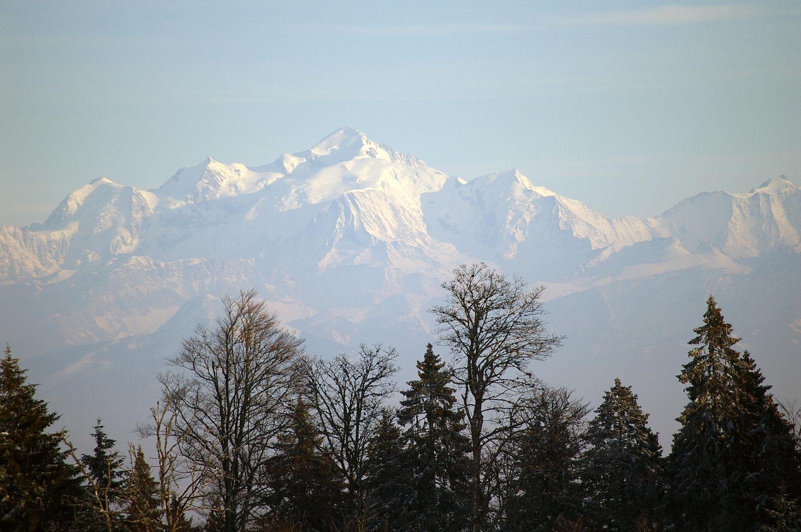 Panorama sur Chaine du Mont-Blanc_Combloux
