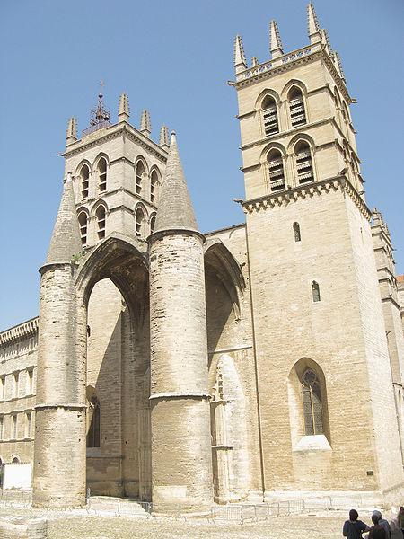 façade principale de la cathédrale Saint-Pierre