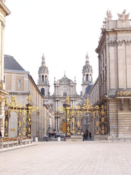 Cathédrale vue depuis la Place Stanislas