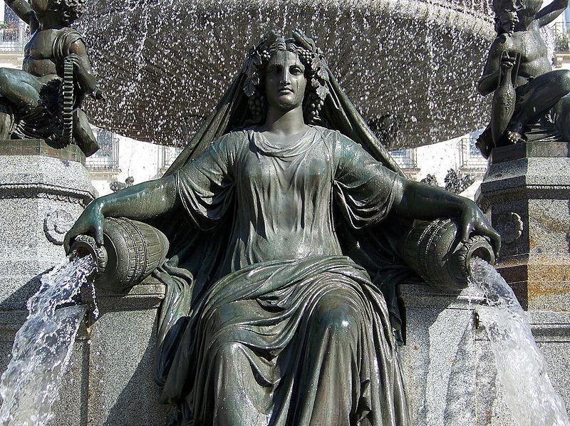 Nantes : fontaine de la Place Royale -Statue de la Loire