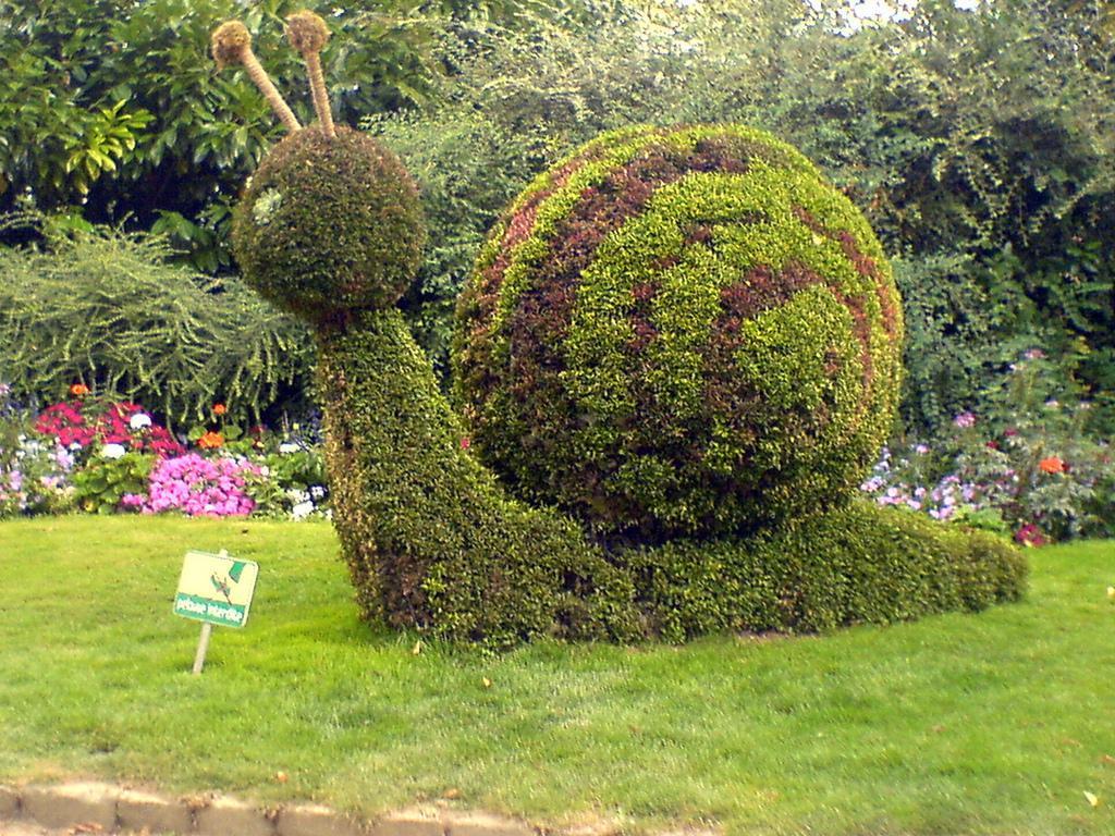 Guide de tourisme par commune poitiers 86 parcs jardin for Jardin 86