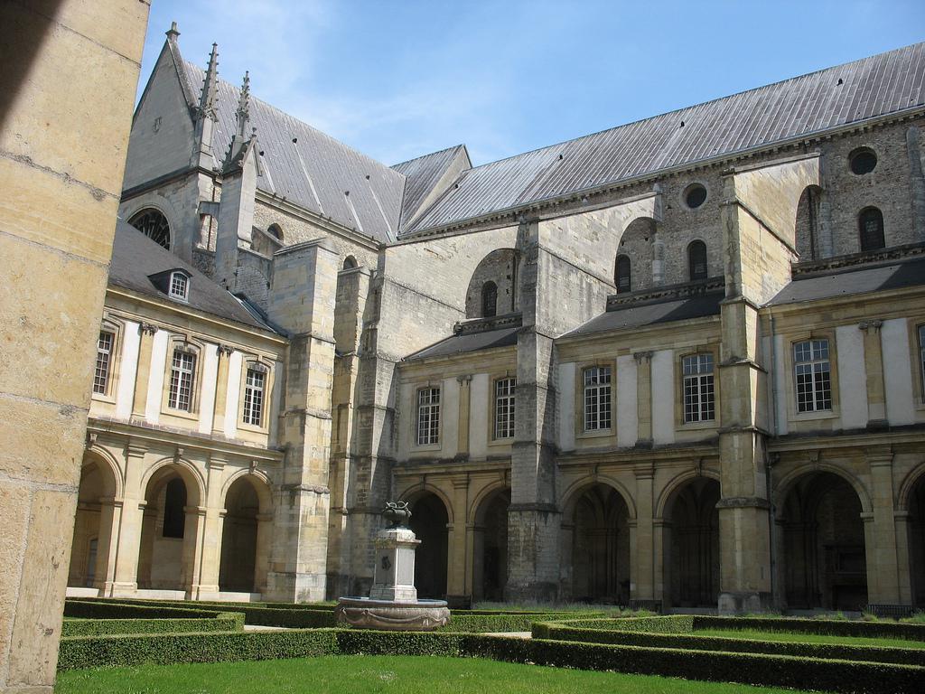 Abbaye Saint-Remi - cloître