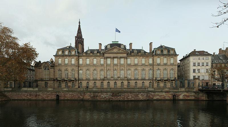 Palais Rohan face au quai des Bateliers