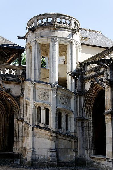 Tours : escalier du cloître de la Psalette