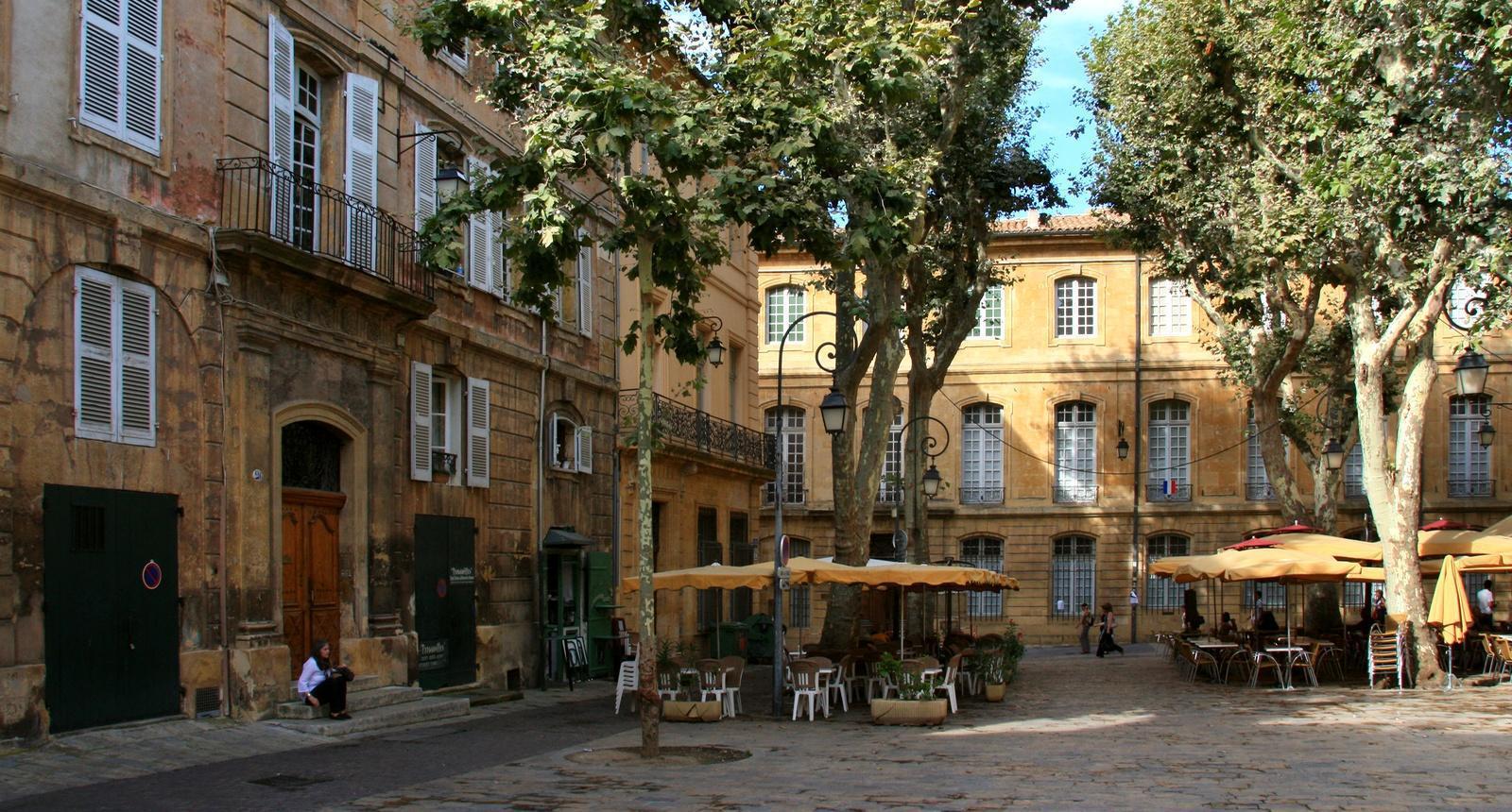 Aix-en-Provence, place de l'Archevêché