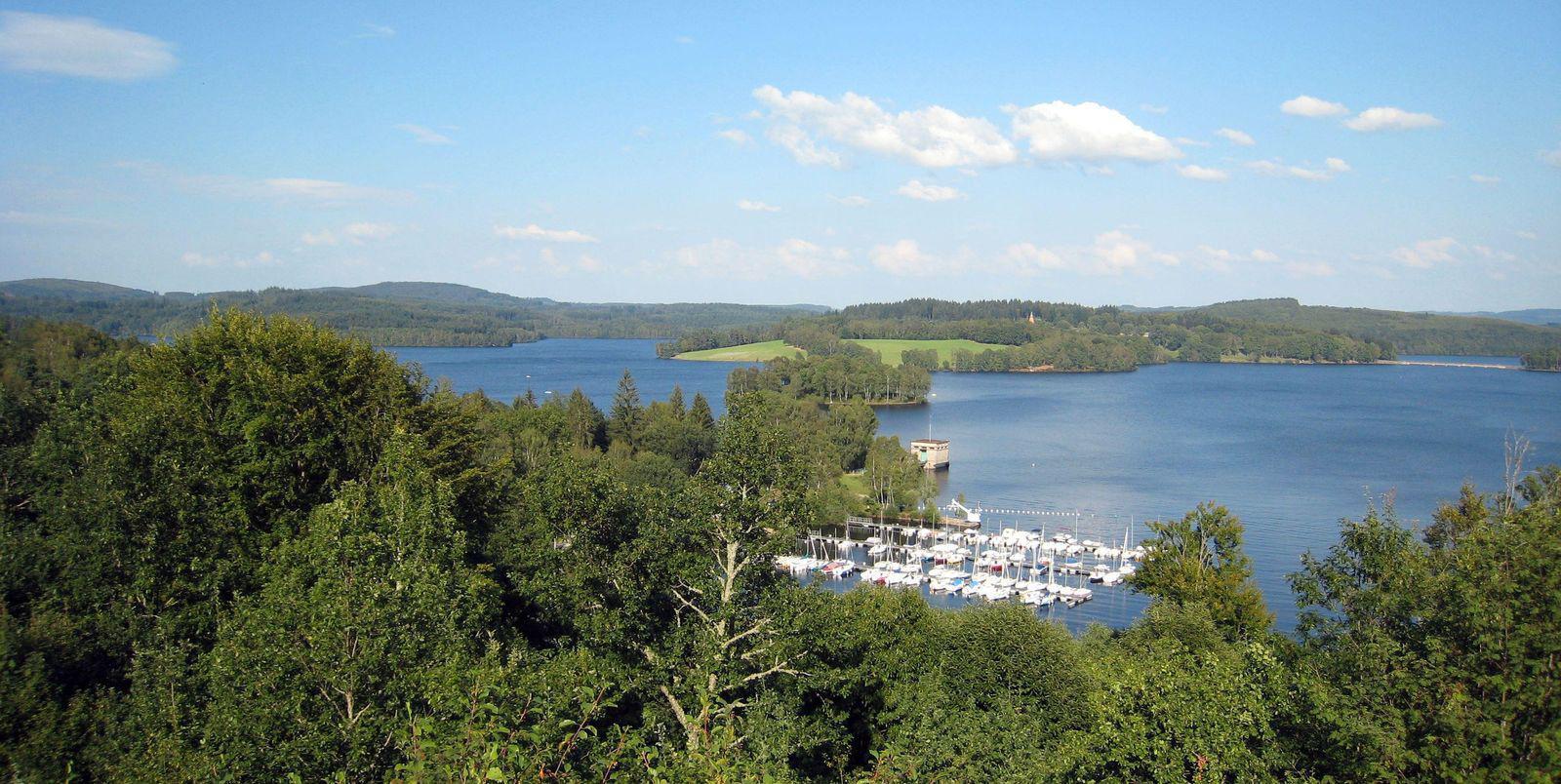 Lac de Vassivière_Beaumont-du-Lac
