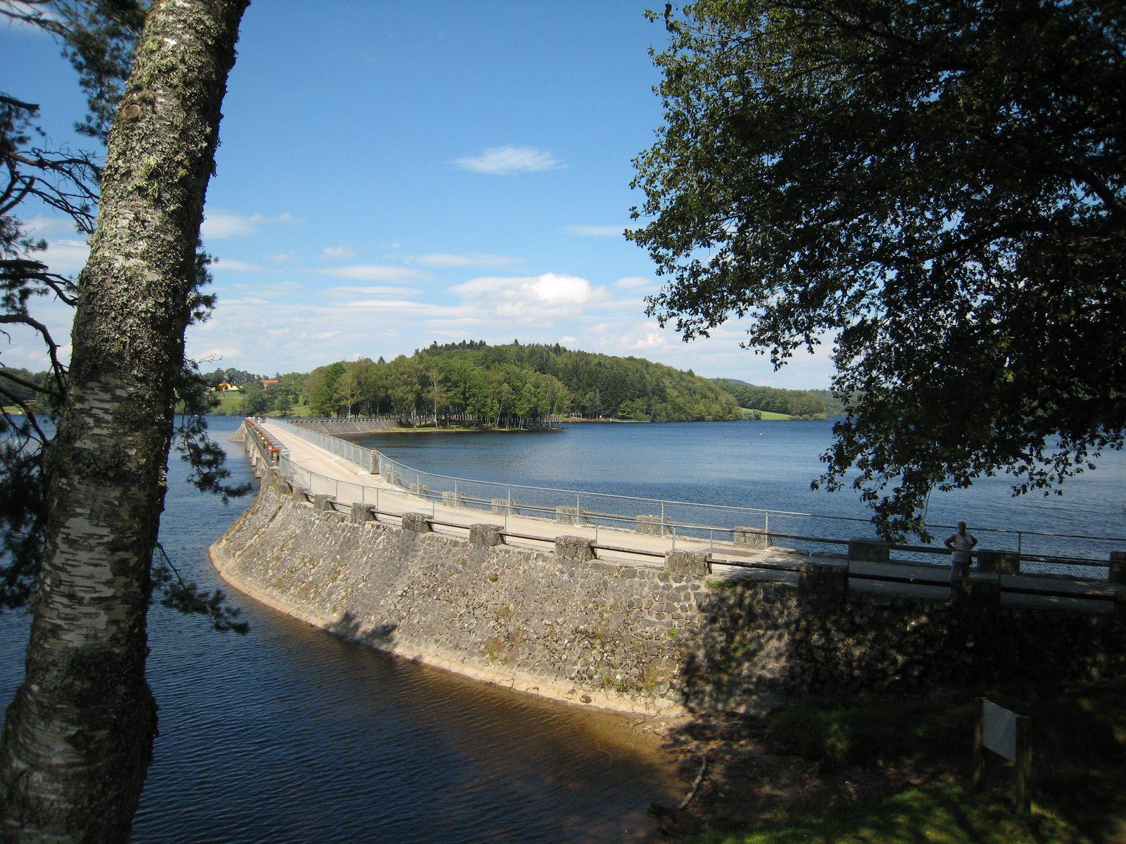 Lac de Vassivière_Beaumont-du-Lac (1)