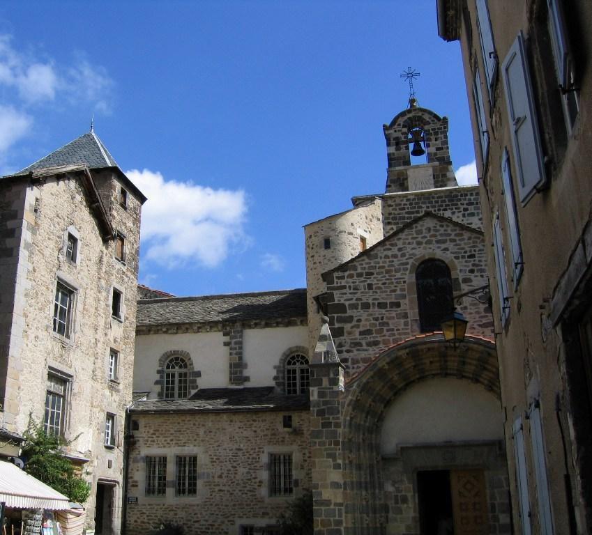 Église Saint-Pierre_Blesle