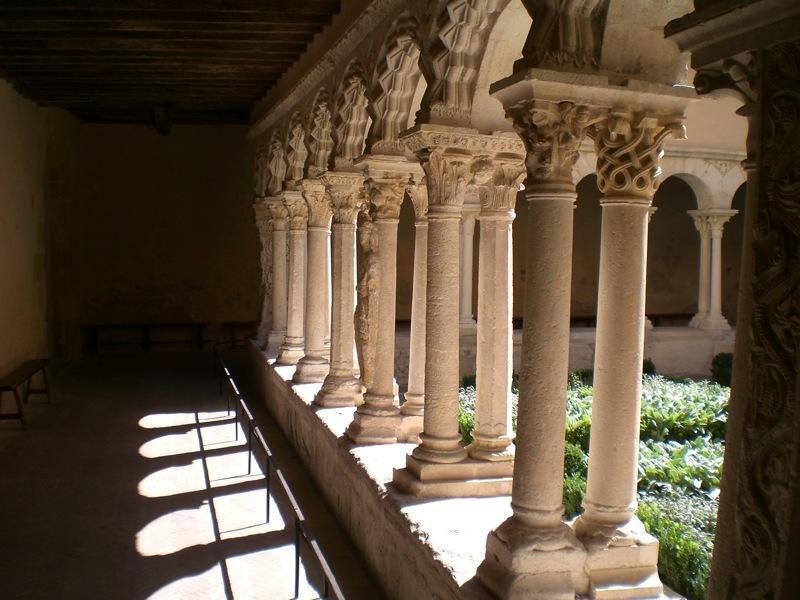Cloître de Saint-Sauveur_Aix-en-Provence (1)