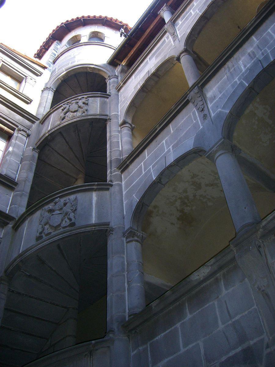 Hôtel de Fontenilhes_Clermont-Ferrand