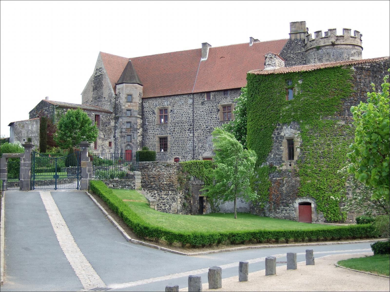Château royal_Saint-Saturnin
