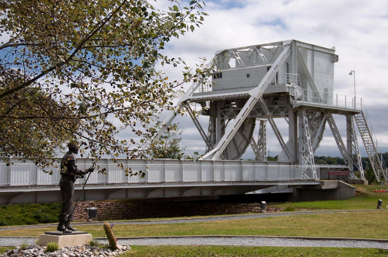 Pegasus Bridge_Bénouville