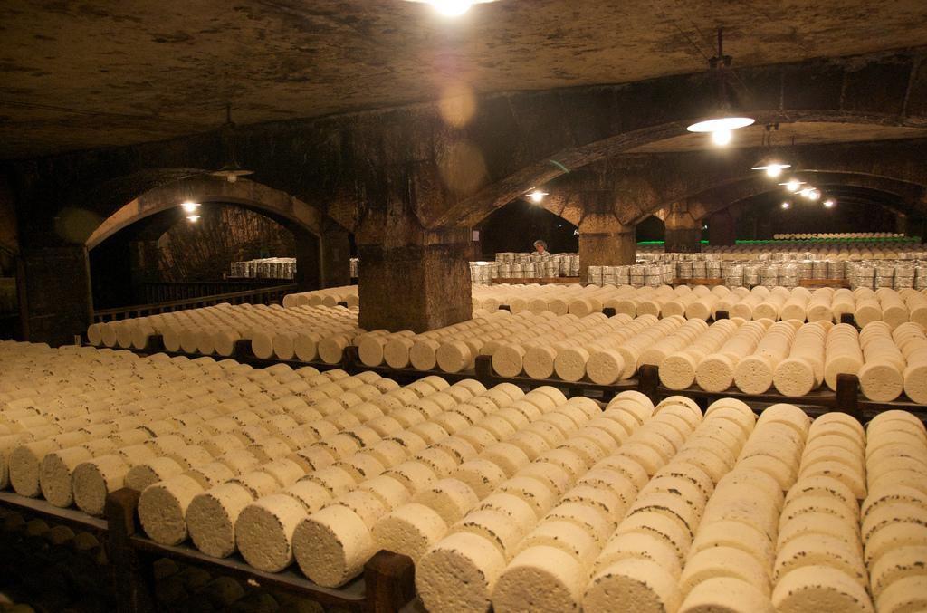 Caves de Roquefort_Roquefort-sur-Soulzon