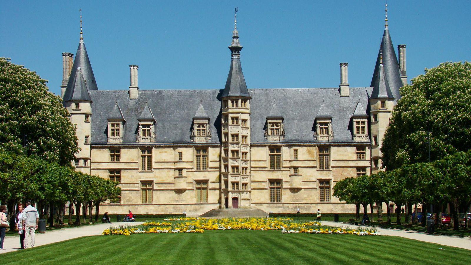 Palais ducal XVème siècle_Nevers