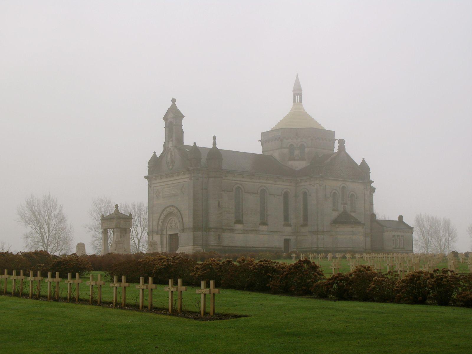 Basilique Notre-Dame -de-Lorette et Cimetière-Mémorial_Ablai