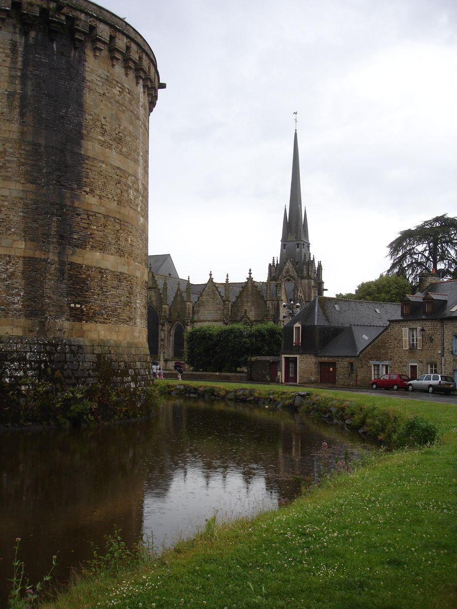 Image : Église Saint-Sulpice de Fougères