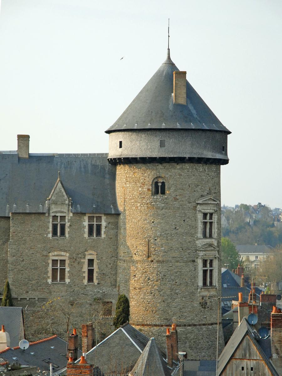 VIEUX Château_Laval