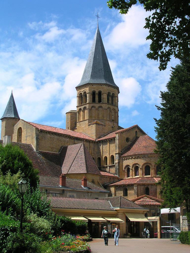Sanctuaires de Paray-le-Monial_Paray-le-Monial