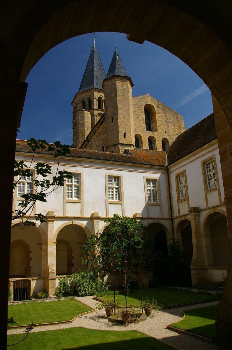 Basilique du Sacré-Coeur_Paray-le-Monial (1)