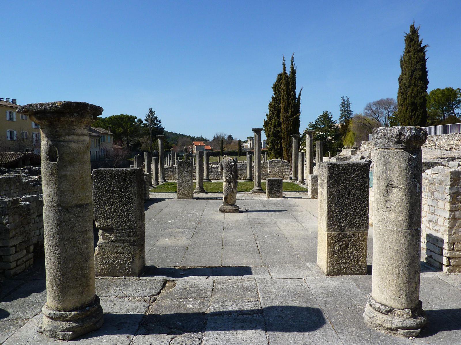 Les plus beaux sites d couvrir vaucluse 84 page 9 - Office du tourisme de vaison la romaine ...