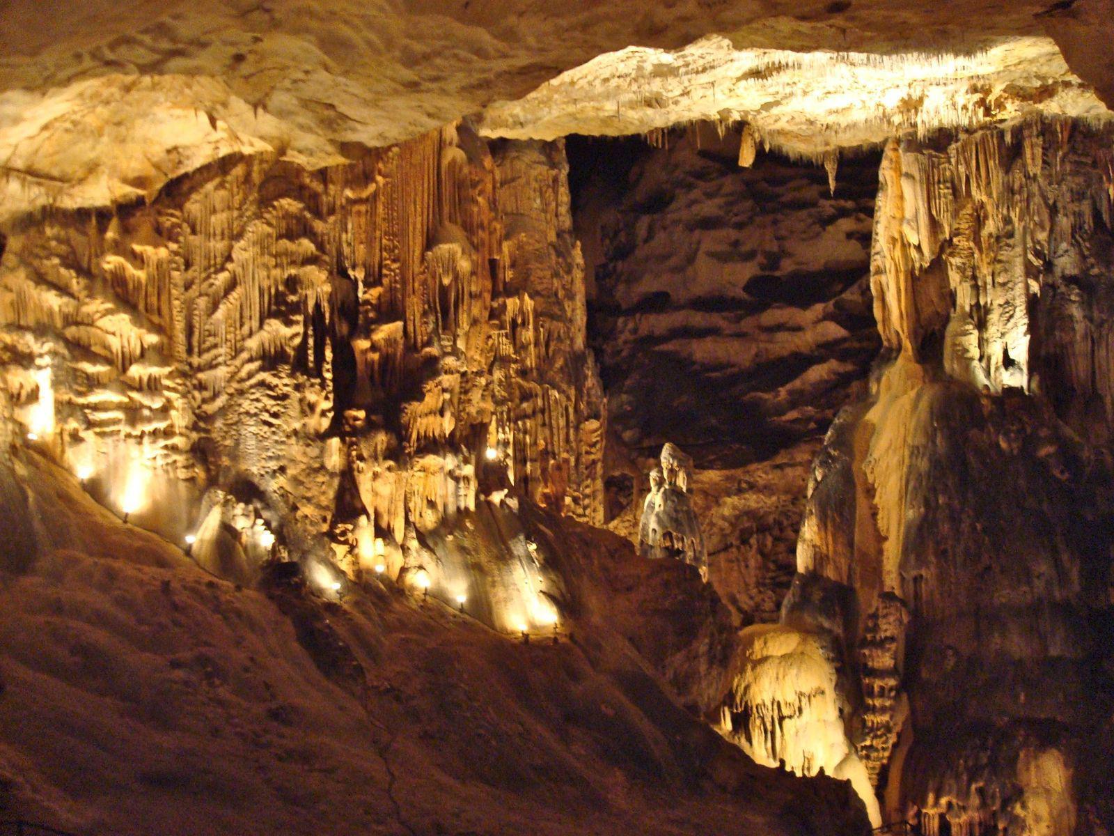 Grotte de Saint-Marcel_Bidon