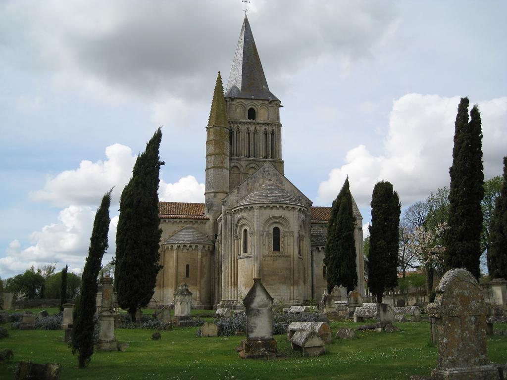 Église Saint-Pierre d'Aulnay_Aulnay