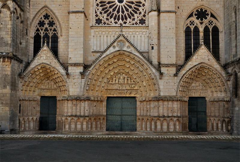 Cathédrale Saint-Pierre_Poitiers (1)