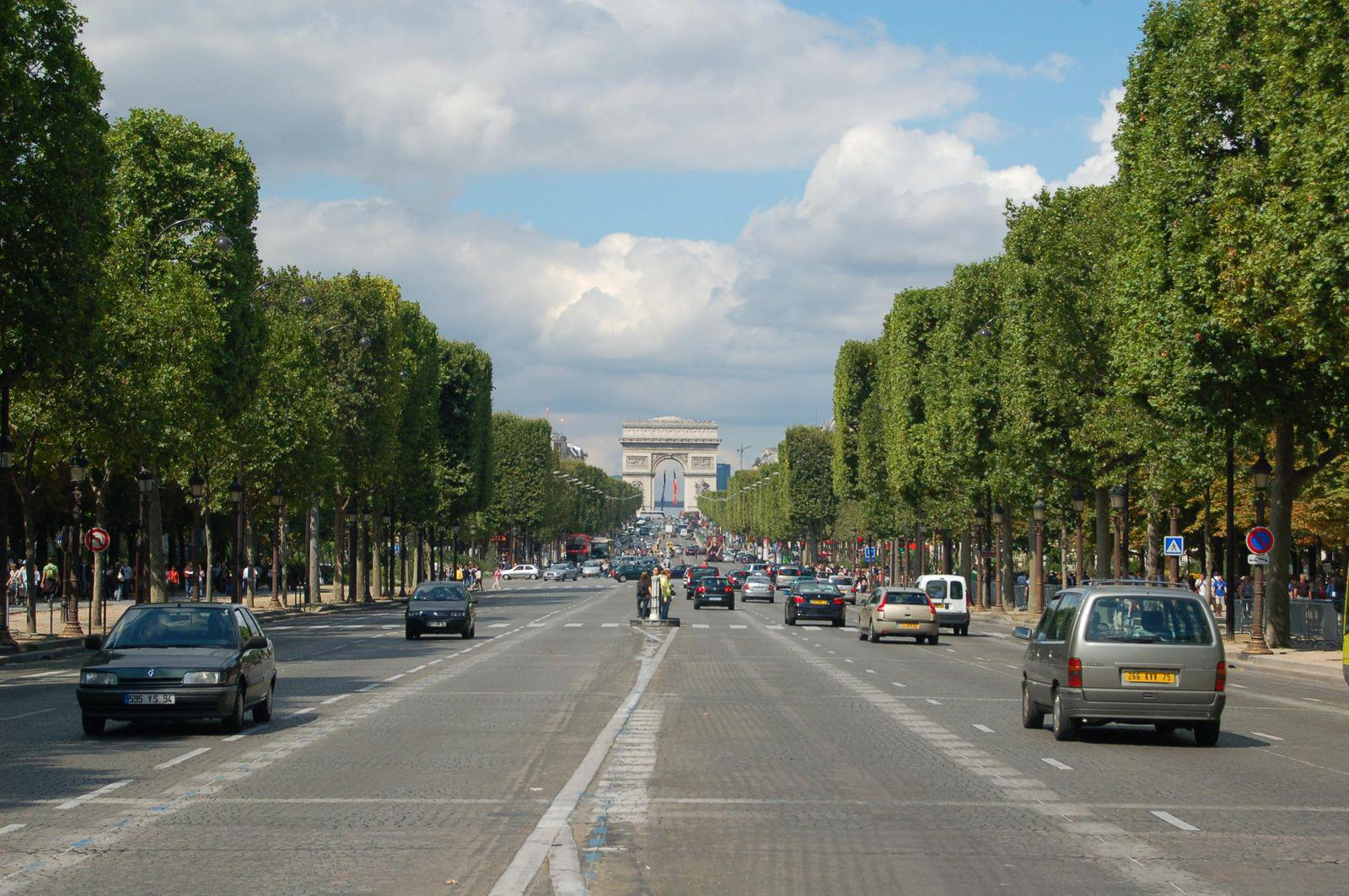 Avenue des Champs Elysées_Paris