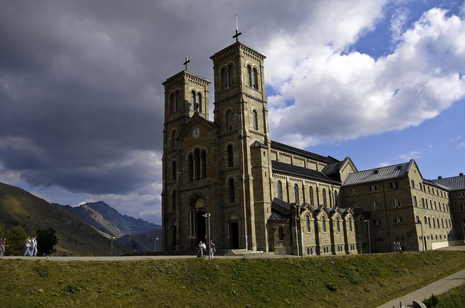 Sanctuaire de Notre-Dame de La Salette_La Salette-Fallavaux