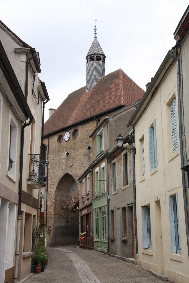 AINAY-le-CHÂTEAU_Ainay-le-Château