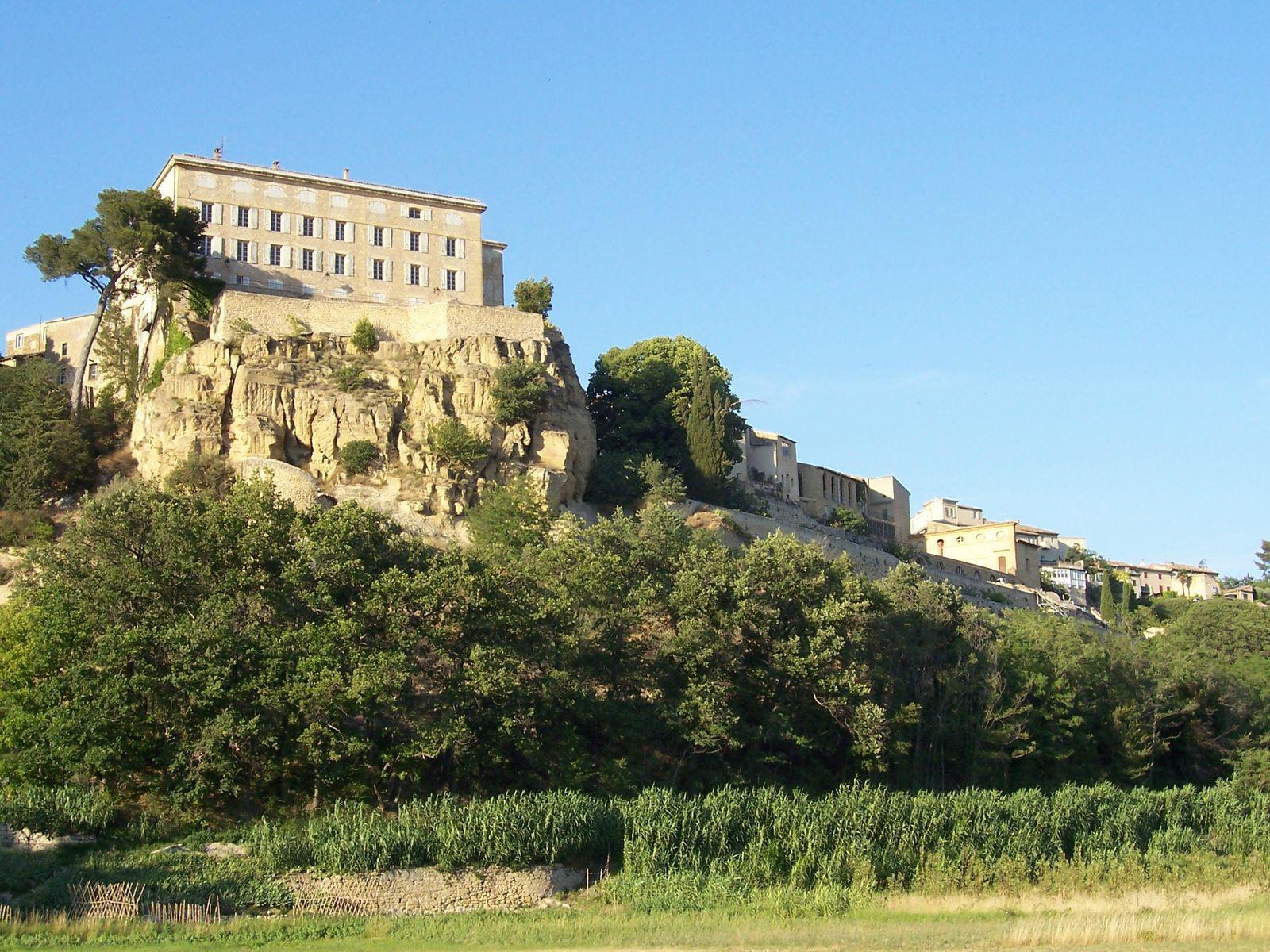 Village de Lauris (84360), Luberon, Vaucluse (84)