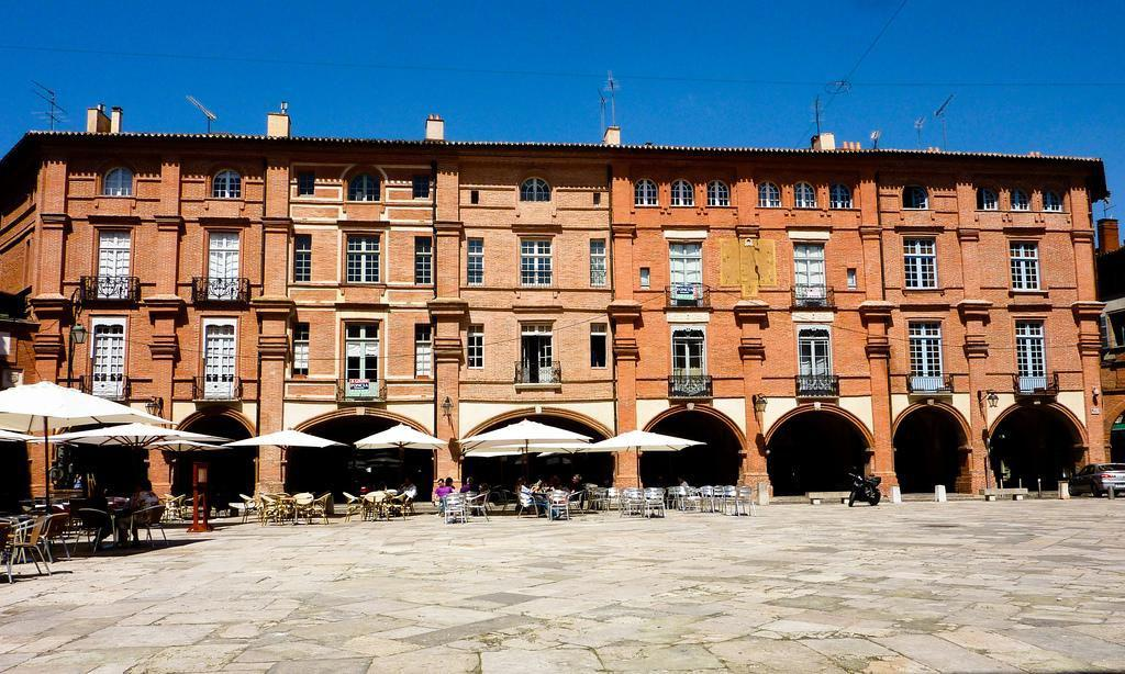 Place Nationale_Montauban (1)