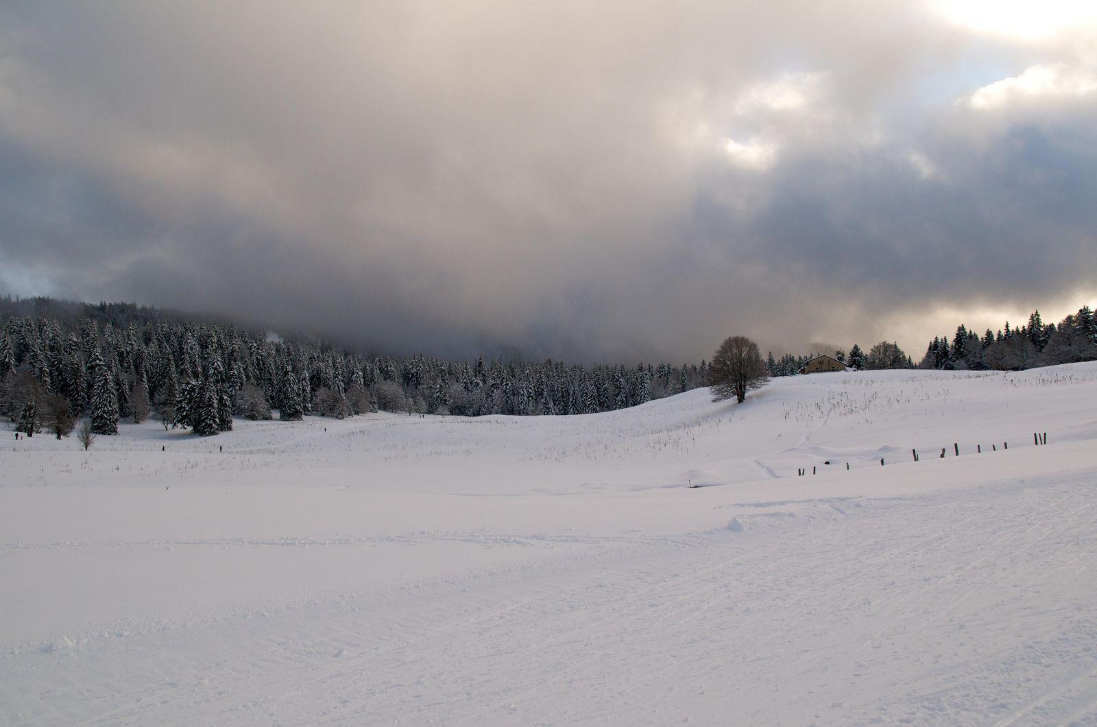 Domaine skiable MONTS JURA/LA VATTAY_Gex (1)