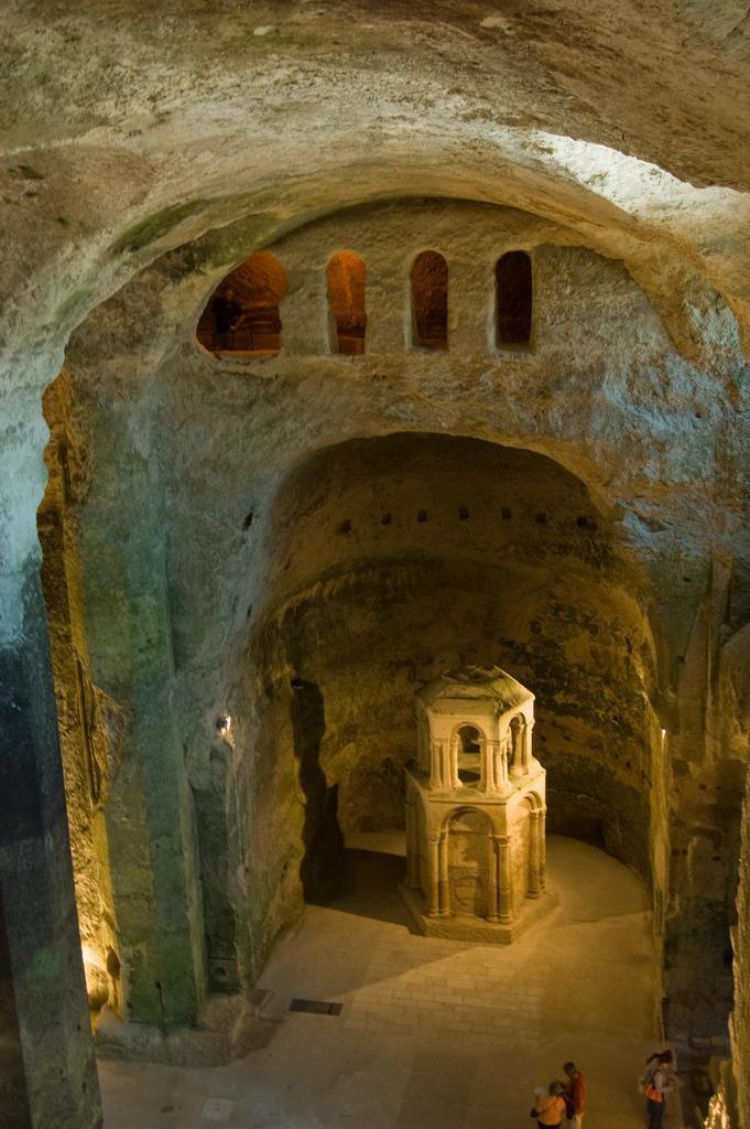 Eglise monolithe_Aubeterre sur Dronne (1)