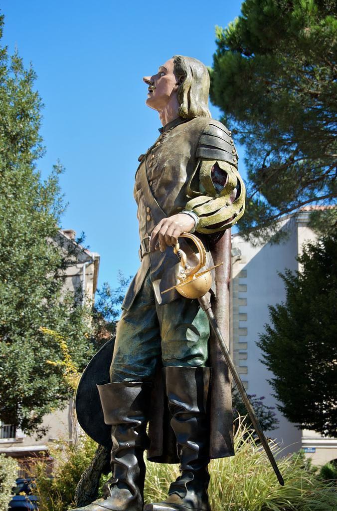 Statue cyrano de Bergerac sur La Place Pélissière_Bergerac