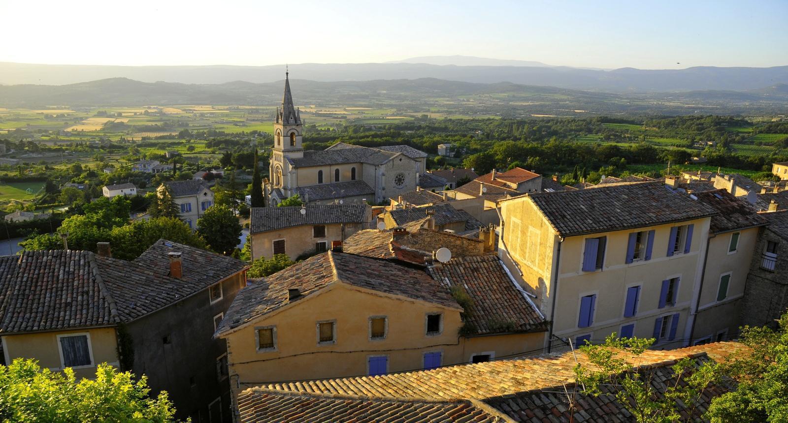 Vue sur le village de Bonnieux, Luberon
