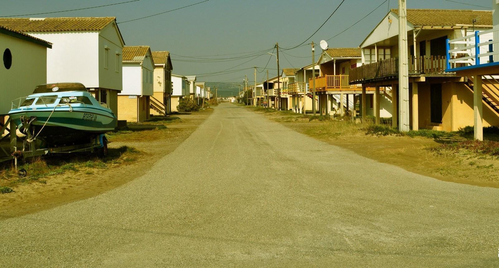 """Gruissan-Plage, lieu de tournage du début de """"37°2 le matin"""" (1986)"""