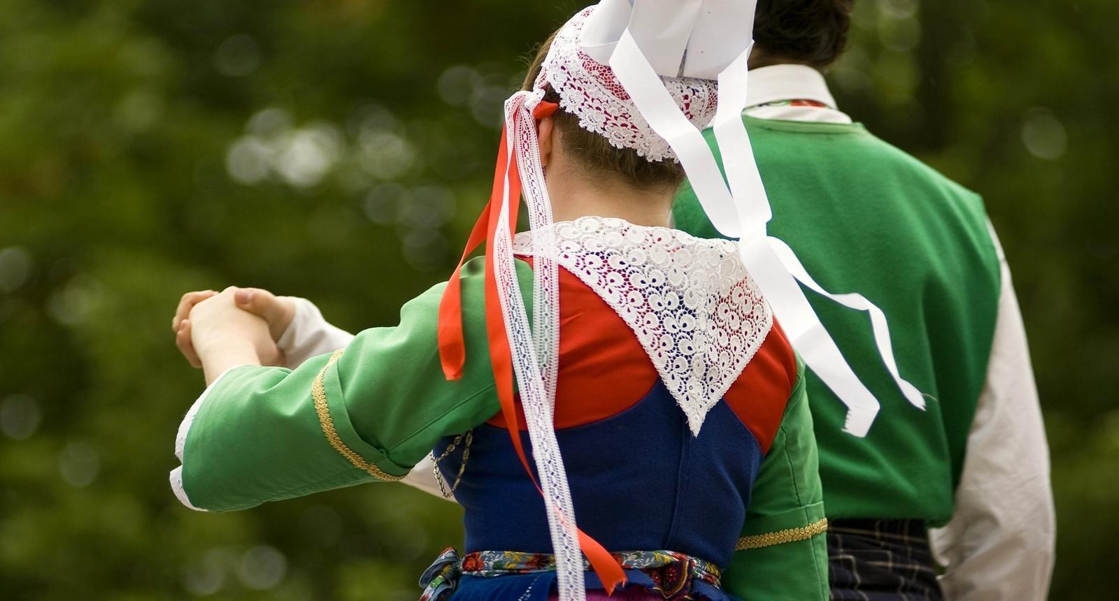 Costumes tradistionnels, Plougastel (Léon, Bretagne)
