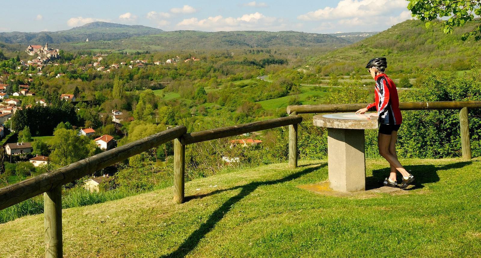 VTT à Saint-Saturnin (Limagne, Auvergne)