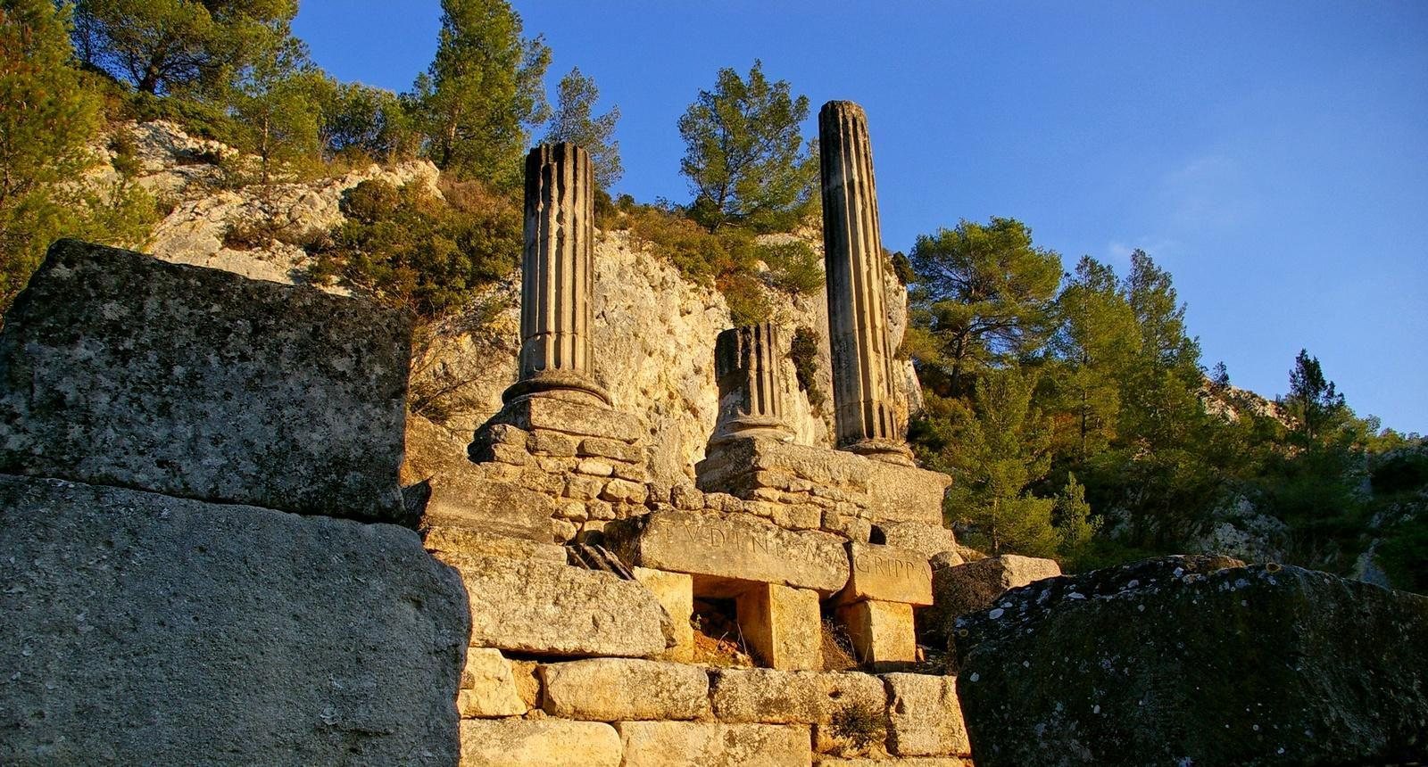 Photo site de glanum st r my de provence alpilles 9829 - Office de tourisme de saint remy de provence ...