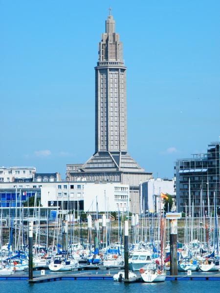 Le phare du Havre, l'église Saint-Joseph...